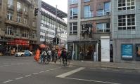 <h5>Friedrich-/Kochstraße</h5><p>Friedrich-/Kochstraße <strong>Museum Haus am Checkpoint Charlie</strong> © The Wall Net <br>Datum der Aufnahme: 2016                                                                                                                                                                                                                                                                                                                                                                                                                        </p>