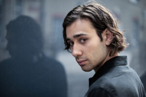 """The Lord Of The Rings"" Casts Maxim Baldry! 1"