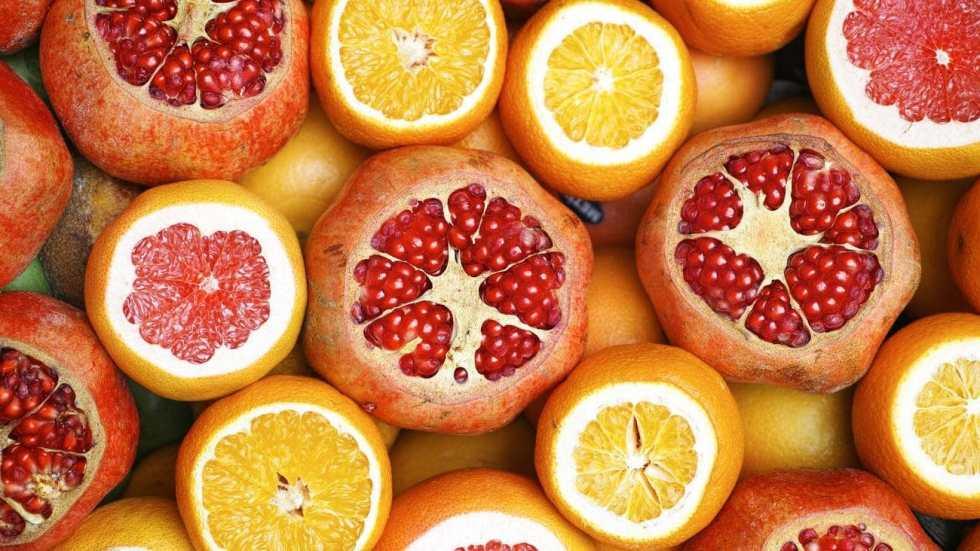 closeup photo of slice of orange