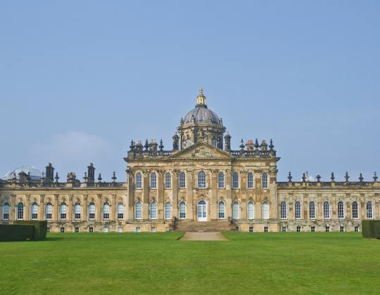 9 Stately Homes With Magical Gardens To Visit In Yorkshire This Summer