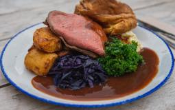 11 Of The Cosiest Peak District Pubs For A Lovely Sunday Roast