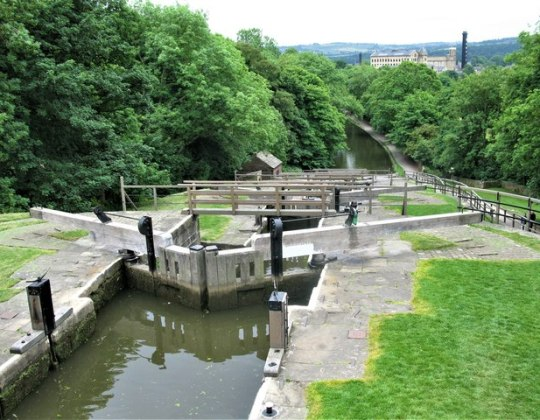 5 Of The Most Idyllic Canal Walks In West Yorkshire