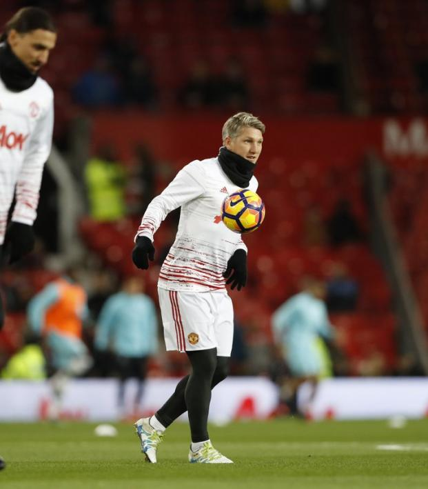 Jose Mourinho Says Bastian Schweinsteiger Can Stay At