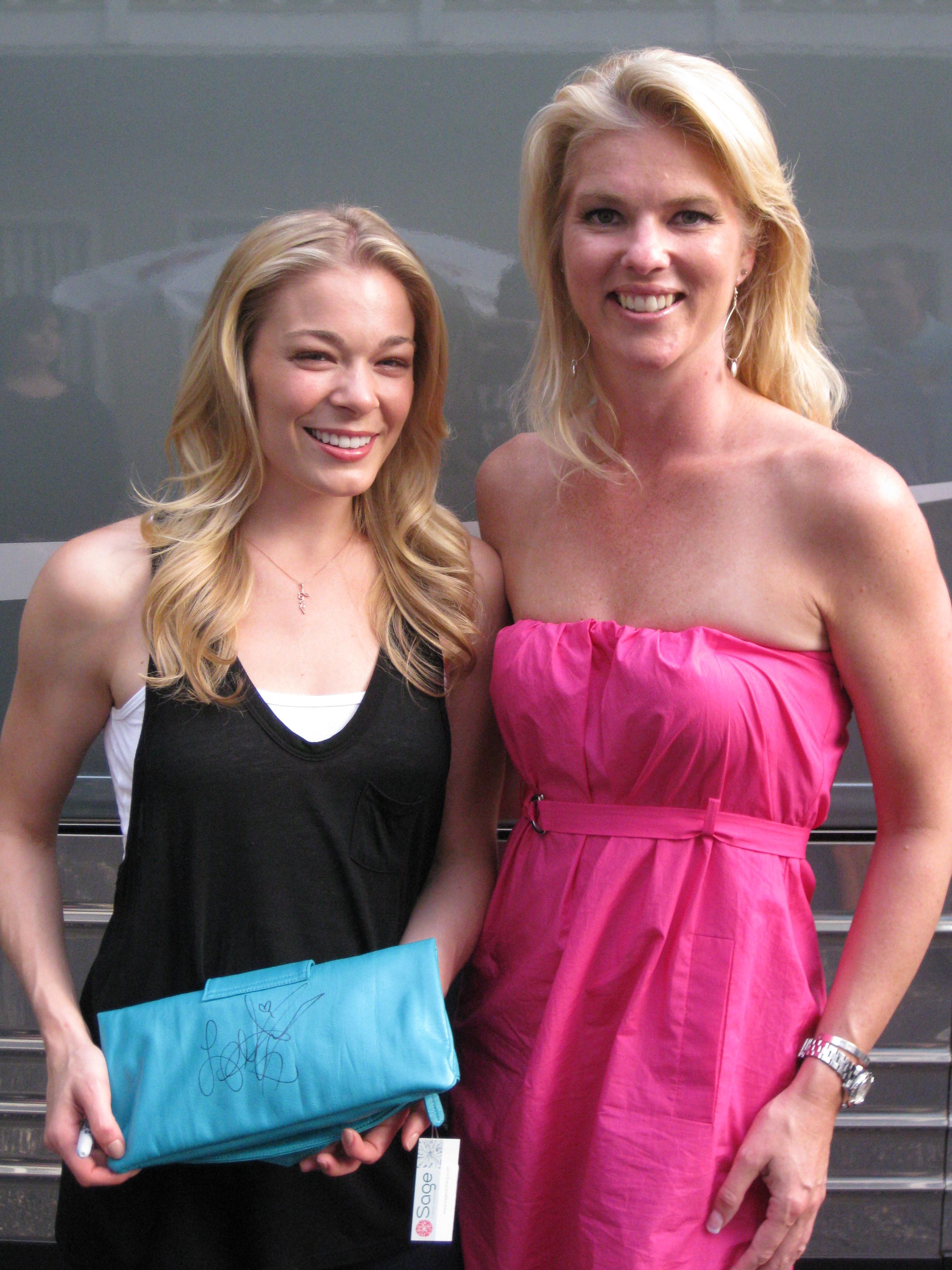 Corinna and LeAnn Rimes