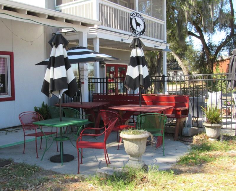 Pizza Shop patio