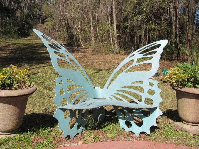 Butterly seat