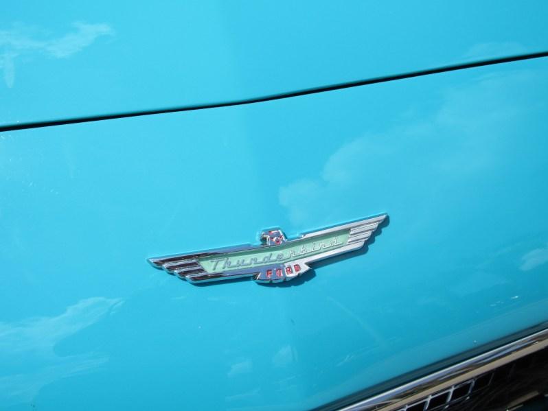 Thunderbird emblem