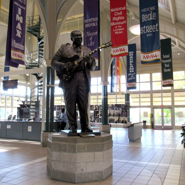 BB King Sculpture