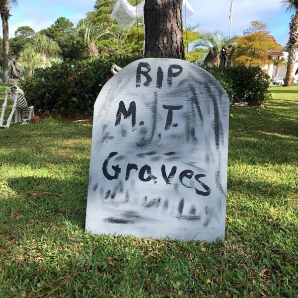 Headstone humor