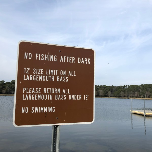 Fishing sign blooper