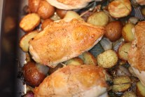 Stuffed Chicken Breast with Roasted Mini Potatoes and Shallots in Circulon® Roaster