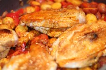 Roasted Chicken Breasts with Mini Potatoes, Red Peppers and Onions in Circulon® Roaster
