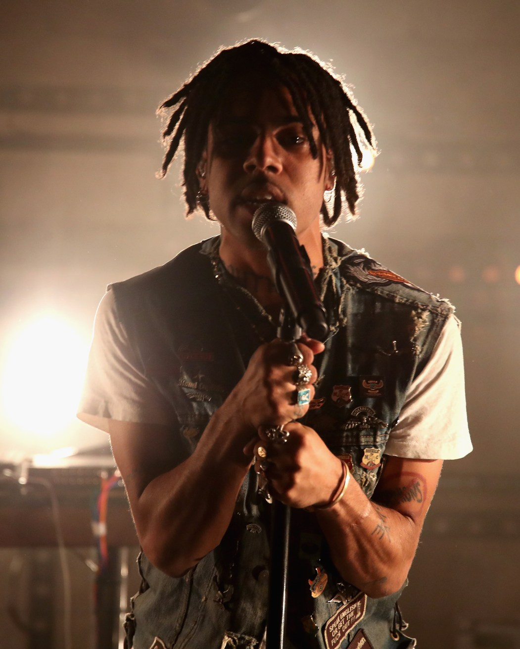"""LOS ANGELES, CA - NOVEMBER 10: Rapper Vic Mensa performs onstage at MTV's """"Wonderland"""" LIVE Show on November 10, 2016 in Los Angeles, California. (Photo by Randy Shropshire/Getty Images for MTV) *** Local Caption *** Vic Mensa"""