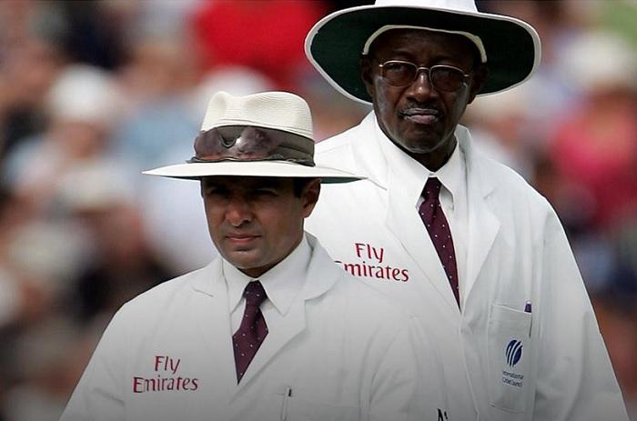 Aleem Dar with Steve Bucknor during a test match.