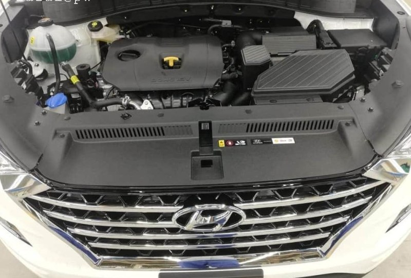 Hyundai Tucson comes with 1999cc engine.