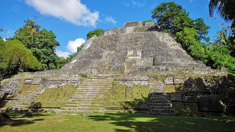 lamanai-outpost-archaelogical-ruins