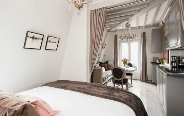 Cremant-de-Bourgogne-Paris-Studio-Bedroom-with-Curtains