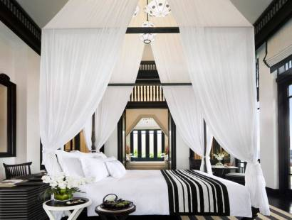 There May Be No Dreamier Bed Than This One