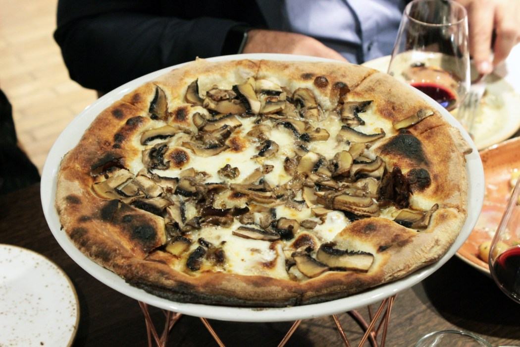 Pizza bianchi funghi