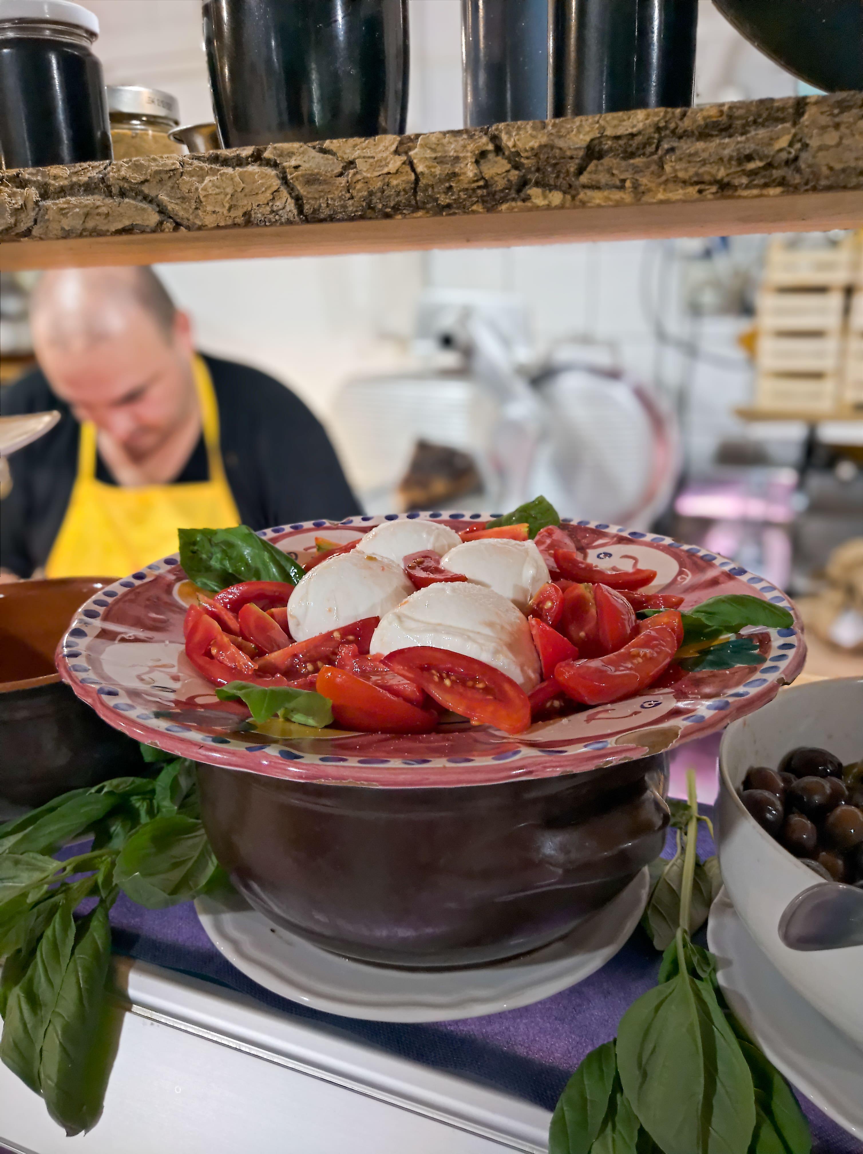capri salad in sorrento amalfi coast