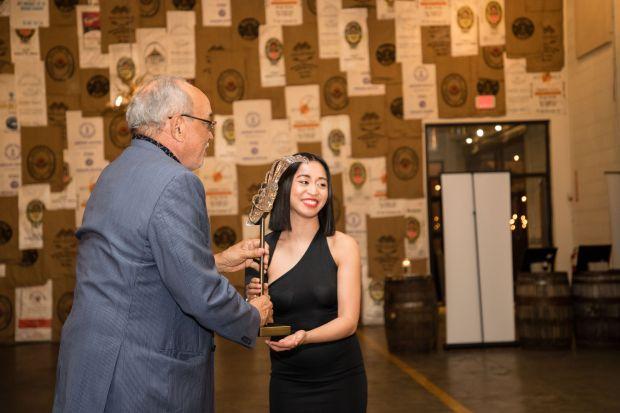 Vanna White for an awards ceremony