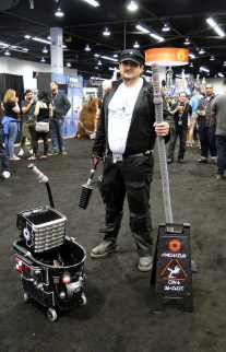 Star Wars Celebration Anaheim 2015 funny cosplay - Imperial janitor for Death Star