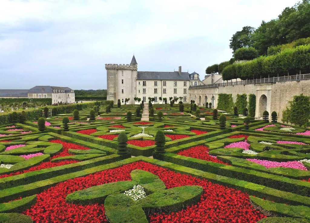chateau de villandry is one of the beautiful castles in france