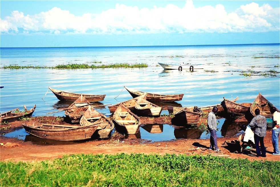 tourist spots in uganda