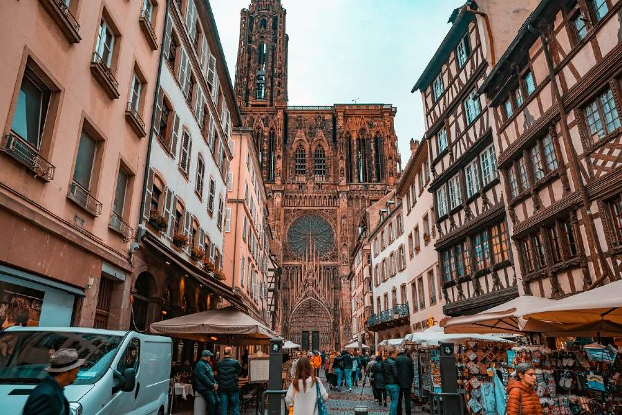 Cathédrale Notre-Dame de Strasbourg  is one of the famous France Landmarks