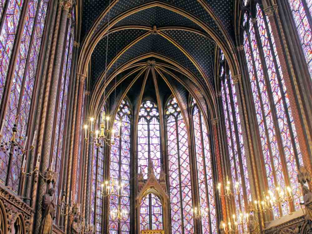 Sainte-Chapelle is one of the famous French buildings
