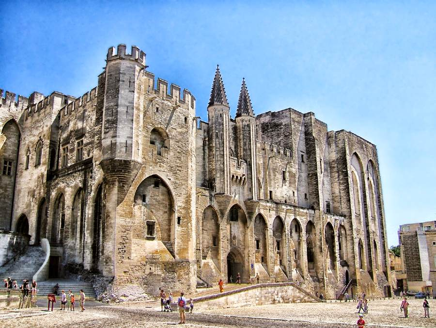 Palais des Papes is one of the most famous landmarks of France