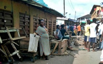 Post election violence and distribution in Bo Town. Photo: Abubakarr Kamara/The AfricaPaper