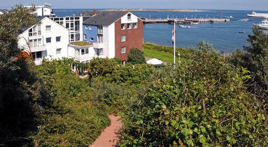 Hotel Rickmers Insulaner, Blick von oben in den Garten
