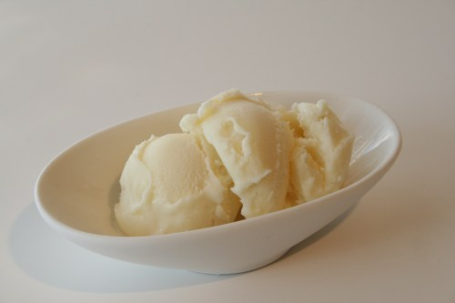 Sometimes a scoop of classic vanilla ice cream is best in summers!