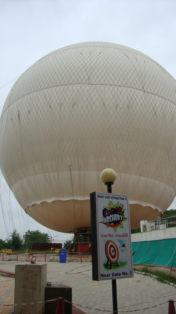 Hot air balloon provides panoramic view of Ahmedabad
