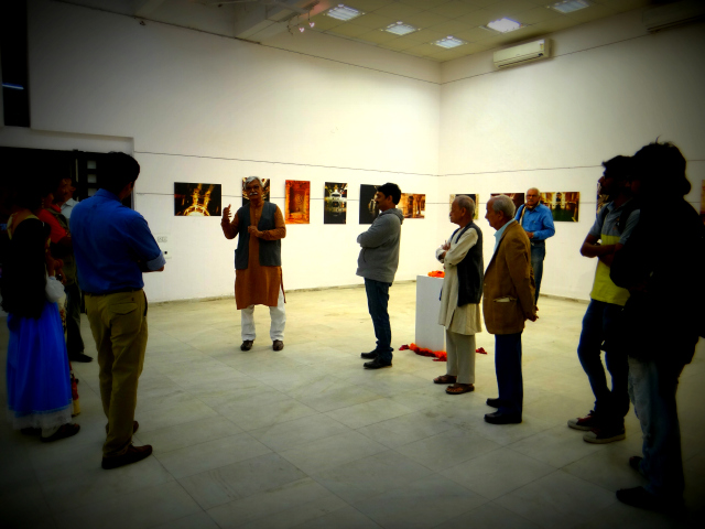 Behind the  Adalaj Well: Photo exhibition by Sandeep Damre
