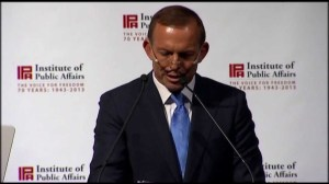 Tony Abbott speaks at last year's IPA dinner (image from glennmurray.com.au)