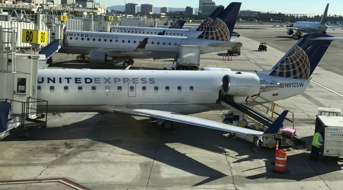 Review: United Airlines Embraer ERJ175 First Class Los Angeles to Seattle