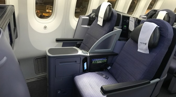 Review: United Airlines 787-9 First Class Houston to Los Angeles