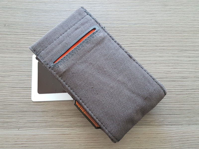 golla-phone-wallet-zone-4