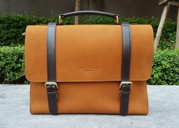 Zettino Messenger Bag