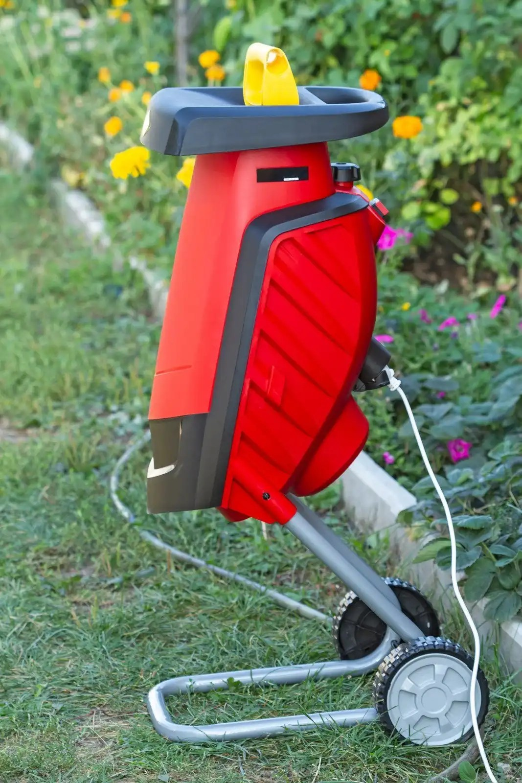red corded electric chipper shredder