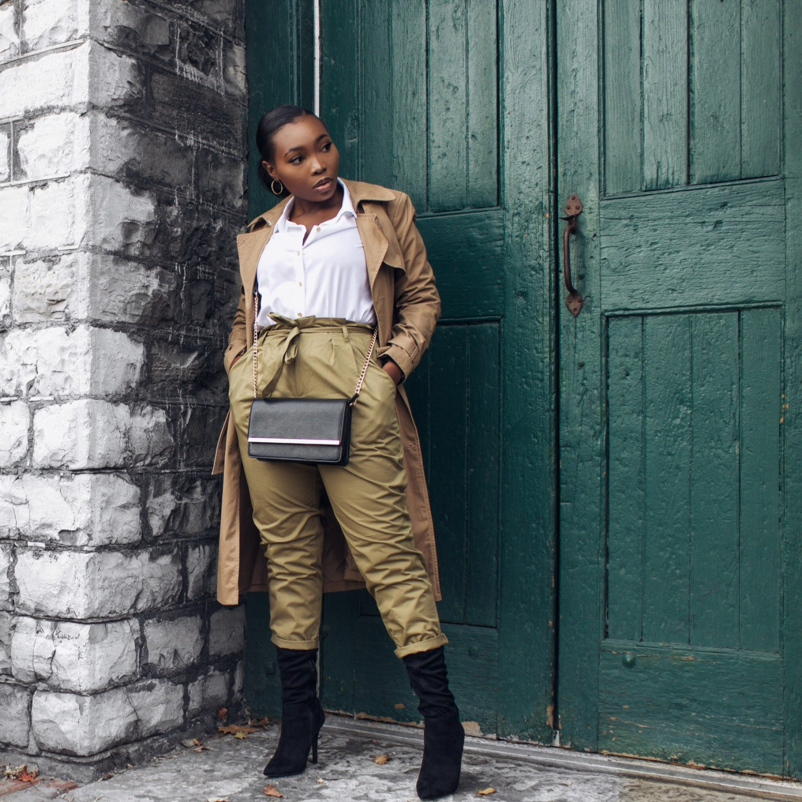 How to Style Khaki Pants | The Alma Chronicle