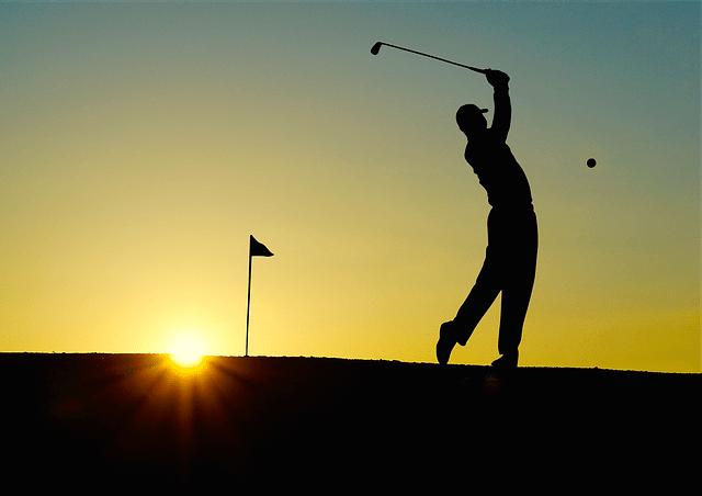 How do I organize a golf tournament?