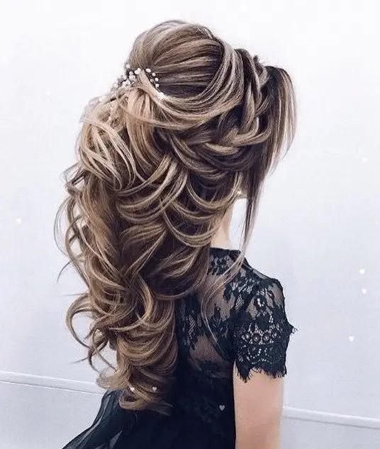 Entangled hairs