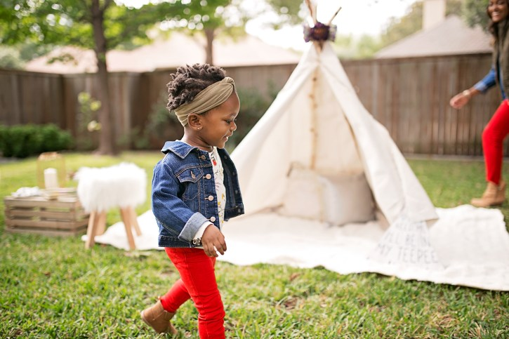 camping photo shoot idea, glamping photo shoot, diy teepee tent, affordable teepee tent, dallas blogger, how to