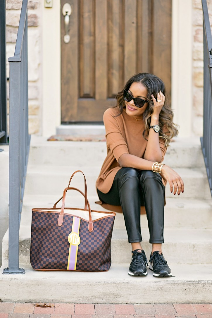 what to wear to the airport, Barrington gifts st anne tote, nike air 83 rose gold, airport travel style, airport fashion, mommy travel style, comfortable airport outfit, dallas blogger, fashion blogger, black girl blogger