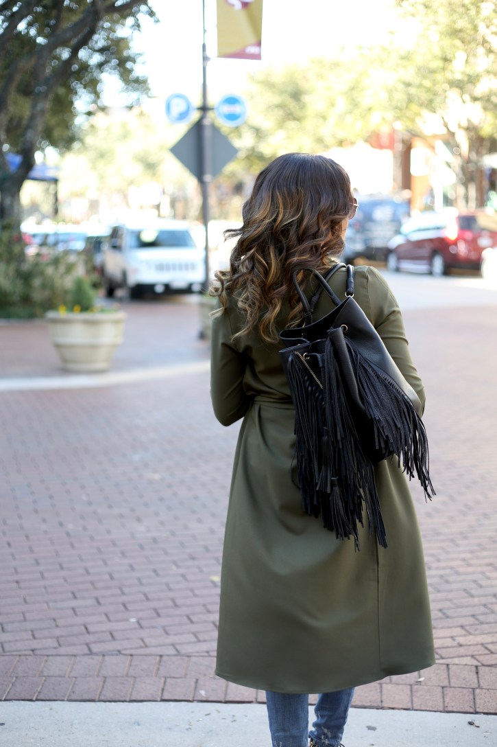 PINK BLUSH MATERNITY, olive trench coat, SP BLACK RIPPED JEANS, FALL FASHION, FALL CASUAL OUTFIT, OLIVE GREEN TRENCH COAT, OLIVE GREEN DUSTER, AFFORDABLE TRENCH COAT, ZARA FRINGE BACKPACK, EASY WAVY HAIR