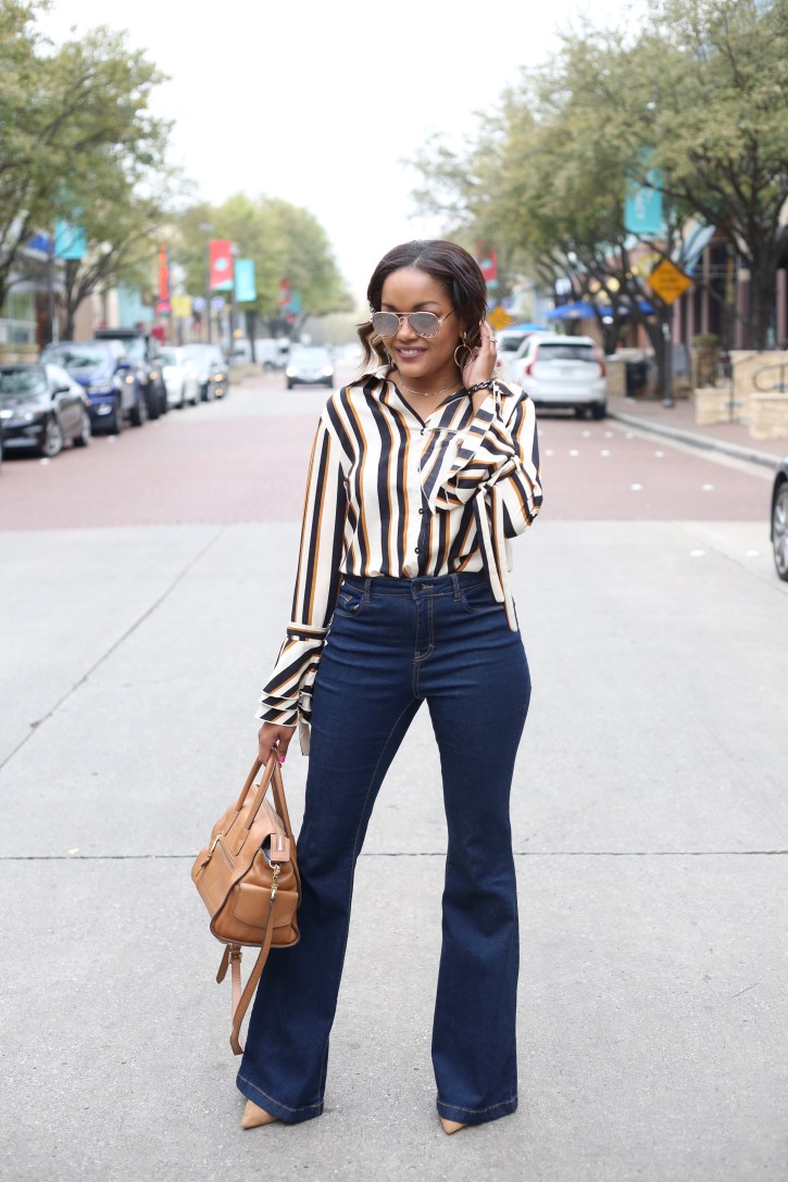 bell sleeve blouse, how to wear bell sleeve, flare sleeve blouse, shein flare sleeve blouse, how to wear flare jeans, dallas blogger