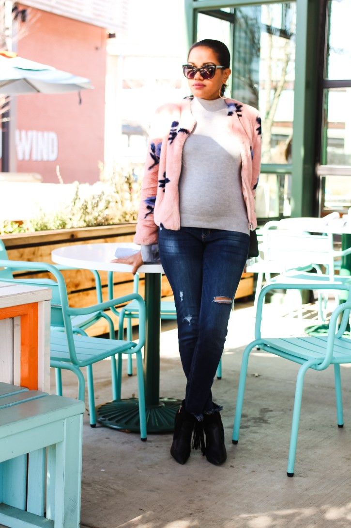 PinkBlush, Comfortable maternity jeans, maternity jeans, ripped maternity jeans, stylish maternity jeans, distressed maternity jeans, pink blush maternity jeans, maternity fashion, maternity style, pregnancy style, affordable maternity clothes, dallas blogger, zara fur jacket